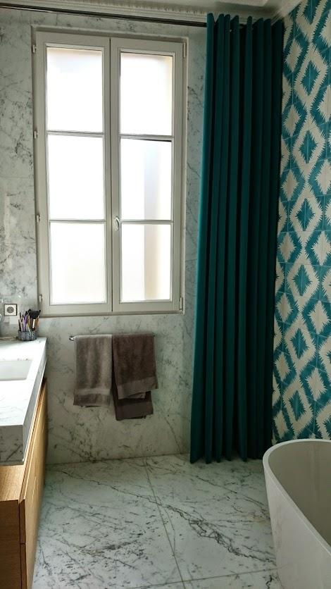 Conception de rideaux pour salle de bain